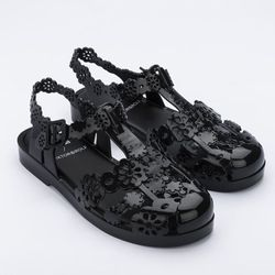 32987-Melissa-Possession-Lace-Viktor-And-Rolf-PretoOpaco-diagonal